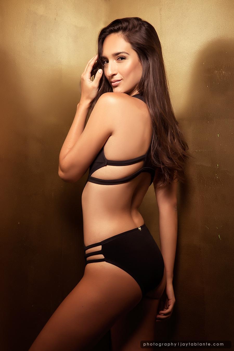 Model Portfolio: Claudia